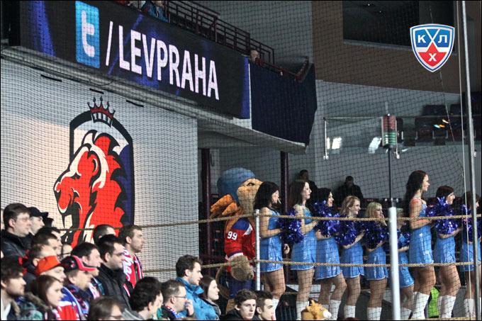Прага встречает Большой хоккей