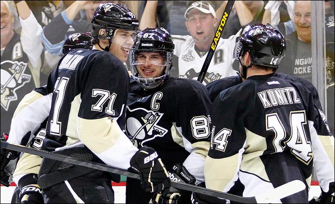 """17 мая 2013 года. Питтсбург. Плей-офф НХЛ. 1/4 финала. Матч № 2. """"Питтсбург"""" — """"Оттава"""" — 4:3. """"Пингвины"""" выигрывают и второй домашний матч"""