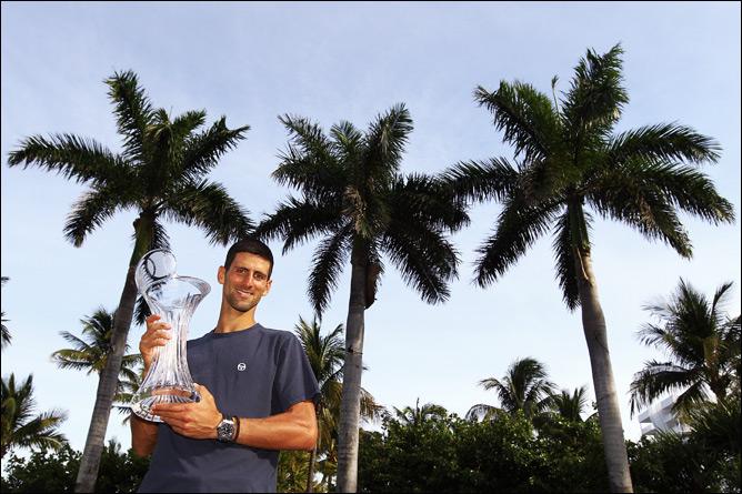 Новак успешно защитил титул во Флориде
