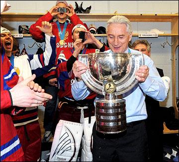 """Зинэтула Билялетдинов: """"Из кубка Суперлиги дважды пил, из Гагарина тоже два раза. А из этого пока..."""""""