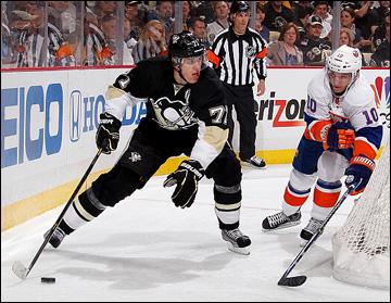 """1 мая 2013 года. Питтсбург. Плей-офф НХЛ. 1/8 финала. Матч № 1. """"Питтсбург"""" — """"Айлендерс"""" — 5:0. В атаке Евгений Малкин"""