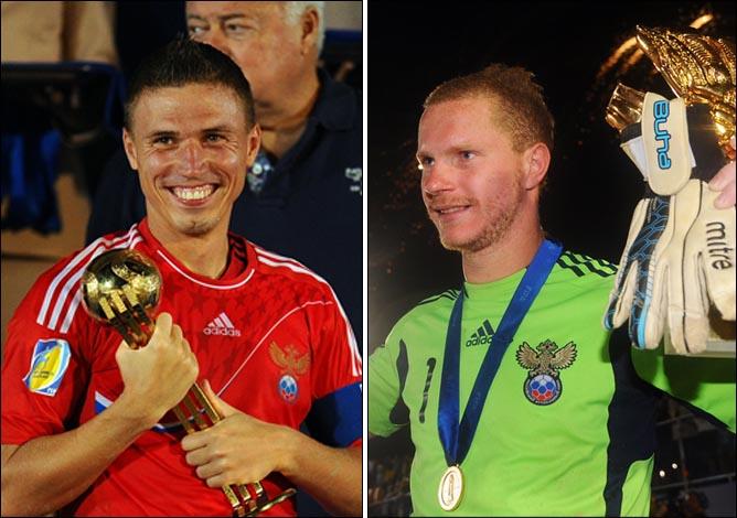 Самый ценный игрок Кубка мира Илья Леонов и лучший вратарь планеты Андрей Бухлицкий
