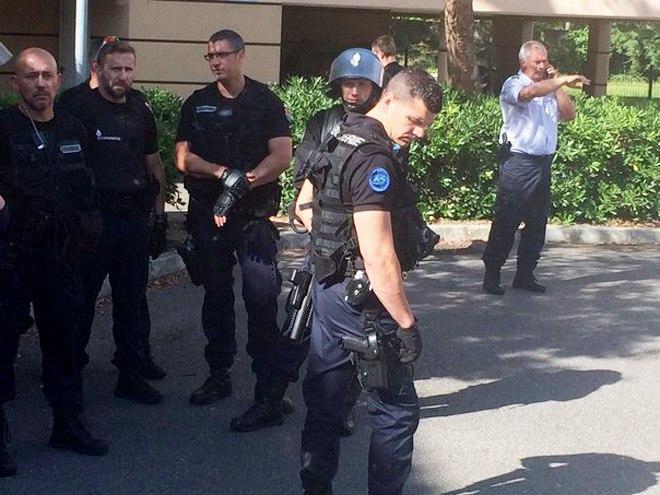 Российских болельщиков депортируют из Франции