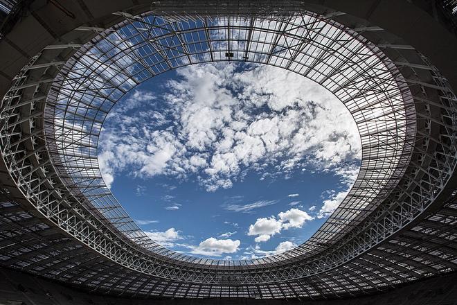 """Небо над стадионом """"Лужники"""""""