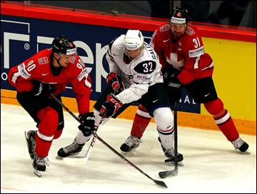 18 мая 2013 года. Стокгольм. Чемпионат мира. 1/2 финала. Швейцария — США — 3:0. Алексу Гальченюку развернуться не дали