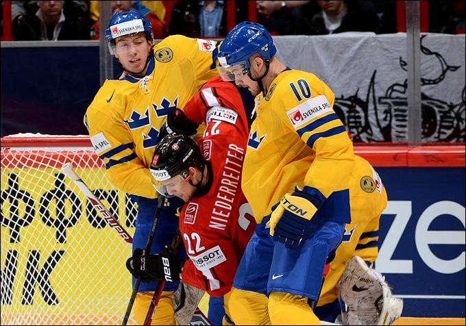 Главная сенсация первого игрового дня. Шведы уступили швейцарцам 1:2!