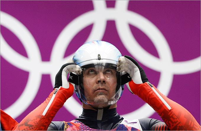 Альберт Демченко претендует на золото в санном спорте