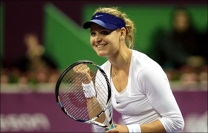 Люси Шафаржова смогла ликвидировать тройной матчбол и добиться победы над экс-первой ракеткой миры Каролиной Возняцки