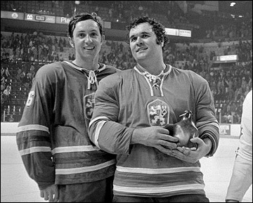 Милан Новы (слева) и Владимир Дзурилла на Кубке Канады, 1976 год