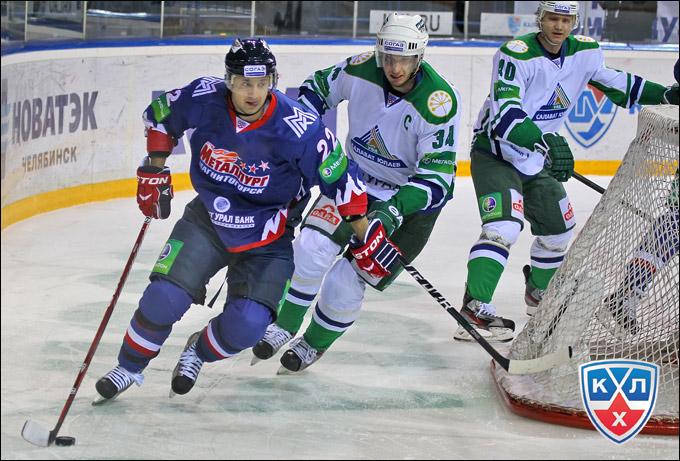 Андрей Конев (крайний справа)