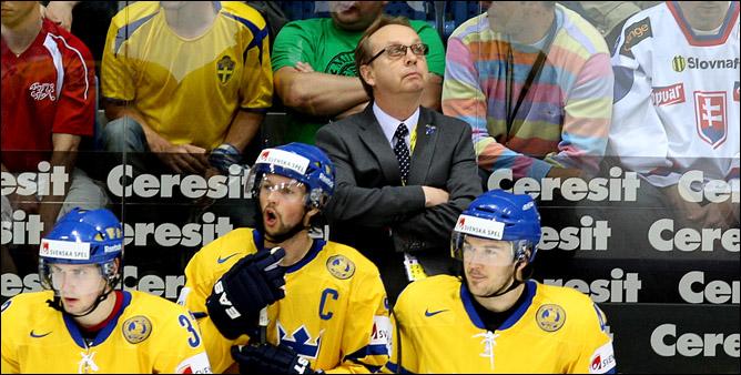 На капитанском мостике сборной Швеции кипит работа