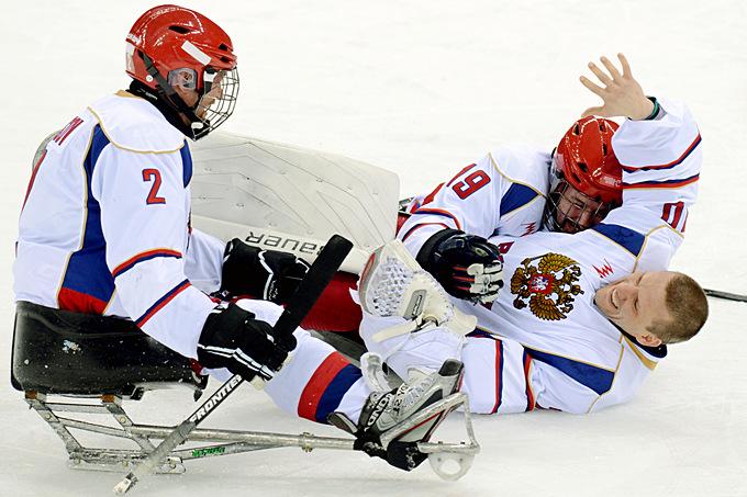 Паралимпиада. Следж-хоккей. Сборная России бурно празднует очередную победу