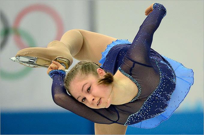 Юлия Липницкая выиграла короткую программу в командном турнире фигуристов