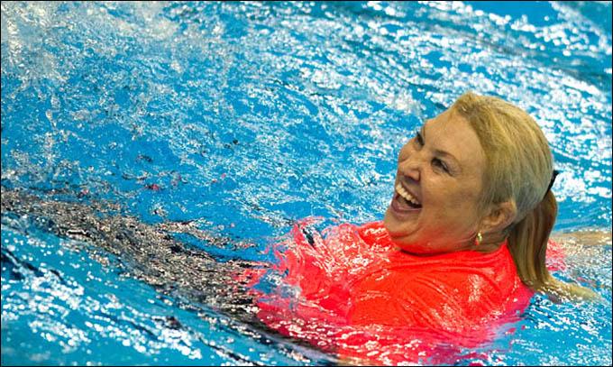 С такой командой Татьяне Покровской регулярно приходится оказываться в бассейне