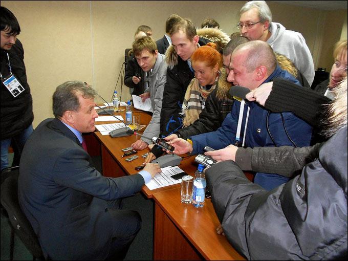 Пресс-конференция после пресс-конференции. Михаил Варнаков ответил на все вопросы российских журналистов