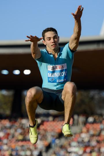 Прыгун в длину Денис Меньков последние два года не отдаёт никому пальму первенства, прихватив за это время ещё и звание чемпиона мира