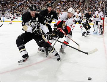 """17 мая 2013 года. Питтсбург. Плей-офф НХЛ. 1/4 финала. Матч № 2. """"Питтсбург"""" — """"Оттава"""" — 4:3. В игре Евгений Малкин"""