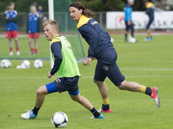 Тренировка шведов: Себастьян Ларссон и Златан Ибрагимович