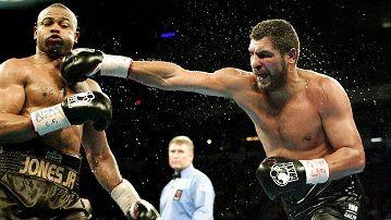 1 марта 2003 года. Соперник – Джон Руиз. Титул WBA в супертяжёлом весе.