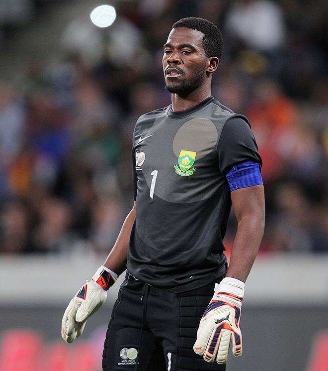Капитан сборной ЮАР по футболу Сензо Мейива был застрелен неизвестными в 20 километрах от Йоханнесбурга