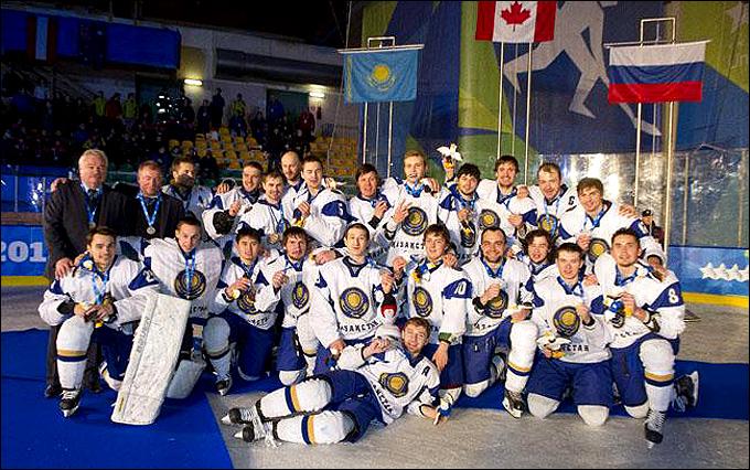Владимир Плющев и его сборная — серебряные призеры XXVI Зимней Универсиады