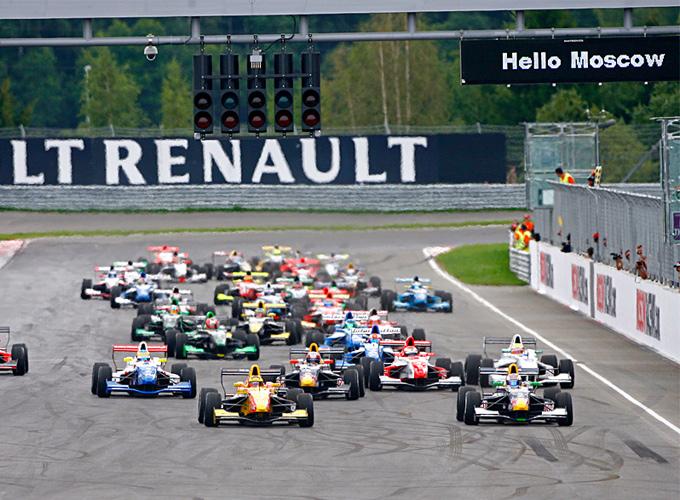 "Старт гонки Еврокубка Формулы ""Рено"" 2.0 на Moscow Raceway"