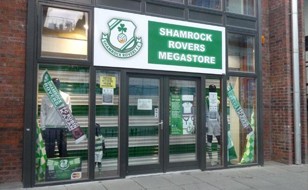 """Клубный магазин """"Шэмрока"""" уже готов к сегодняшней игре"""
