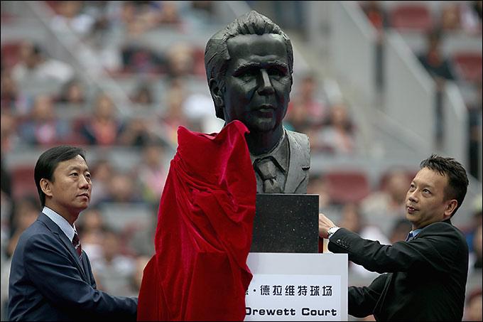В теннисном центре Пекина установили статую Брэда Дрюитта