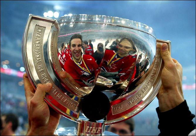 Хоккей. История чемпионатов мира. Часть 24. ЧМ-2004. Фото 07.