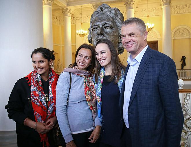 Саня Мирза, Ива Майоли, Мартина Хингис и Александр Медведев