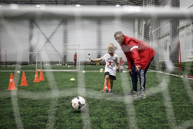 В Москве открылась футбольная Академия Олега Иванова