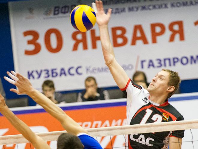 Михаил Щербаков в атаке