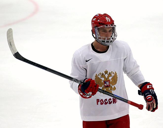 Максим Чудинов в защитной маске