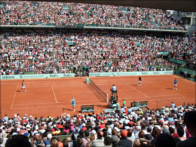 Звёзды тенниса собрали полные трибуны