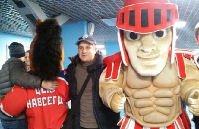Маскоты ЦСКА и «Спартака»