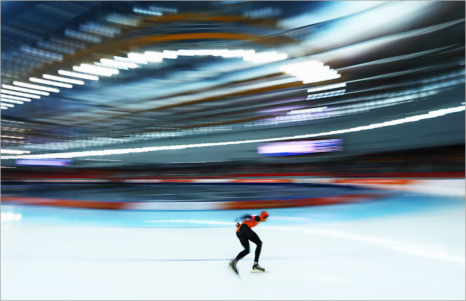 Свен Крамер выиграл золото на дистанции 5000 метров