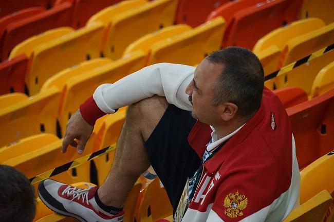 Александр Лебзяк на гандболе Россия - Франция