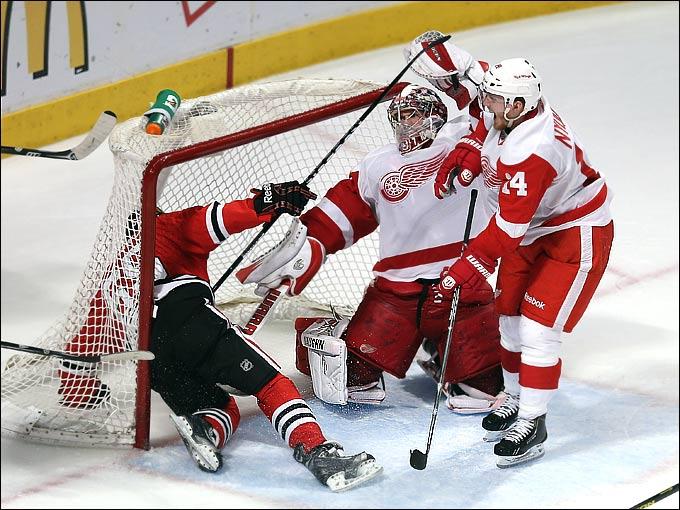 """30 мая 2013 года. Чикаго. Плей-офф НХЛ. 1/4 финала. Матч № 7. """"Чикаго"""" — """"Детройт"""" — 2:1 (ОТ)."""