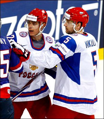 Илья Никулин (справа) и Евгений Медведев