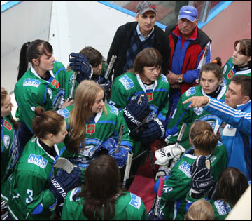 Женский хоккей в Коми? А почему бы нет!