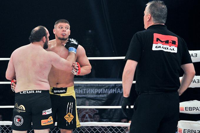 """Смолдарев: Ибрагимов кричал: """"Иди сюда, давай драться!"""" Я ответил, что бой остановил судья, а ко мне не должно быть никаких претензий."""