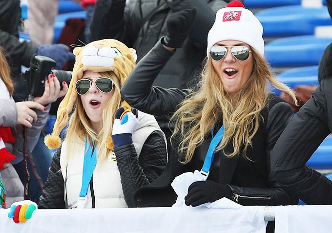 """Болельщики на лыжно-биатлонном комплексе """"Лаура"""" наблюдают за смешанной эстафетой"""