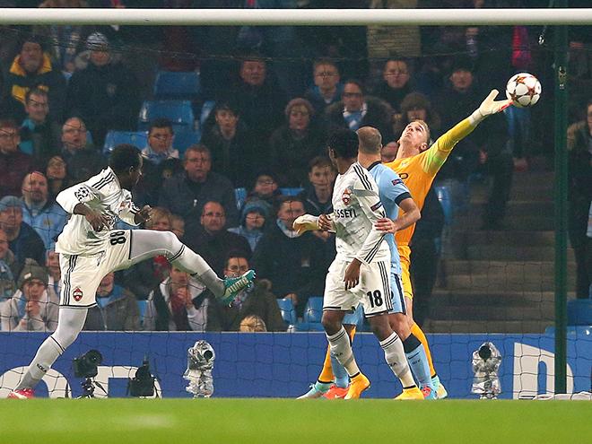 Три мяча Сейду Думбия в ворота «Манчестер Сити» значительно увеличили шансы нападающего ЦСКА перебраться в АПЛ