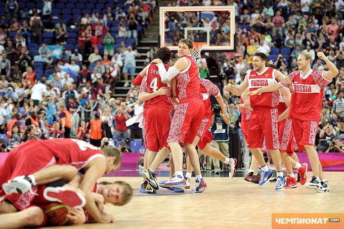 Сборная России после финальной сирены матча за третье место на Олимпиаде в Лондоне.