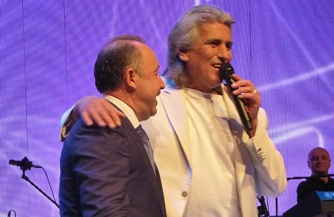 Газзаев и певец Тото Кутуньо