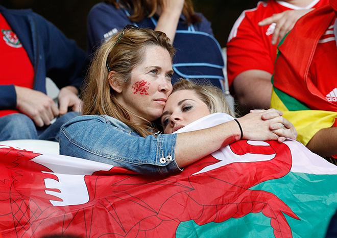 Болельщицы сборной Уэльса
