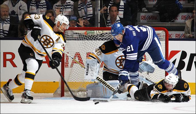 """6 мая 2013 года. Торонто. Плей-офф НХЛ. 1/8 финала. Матч № 3. """"Торонто"""" — """"Бостон"""" — 2:5. """"Бостон"""" повел в серии 2-1"""