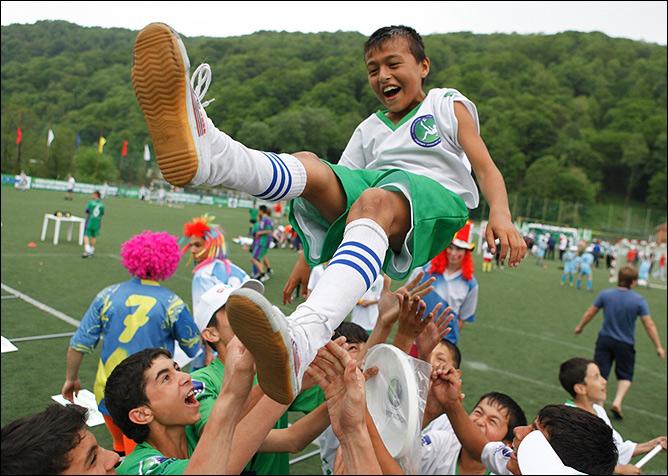 Команда из Таджикистана победила в младшей возрастной группе