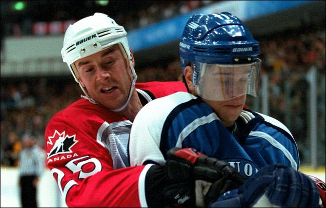1998 год. Нагано. Джо Ньювендайк в составе сборной Канады на Олимпийских играх.