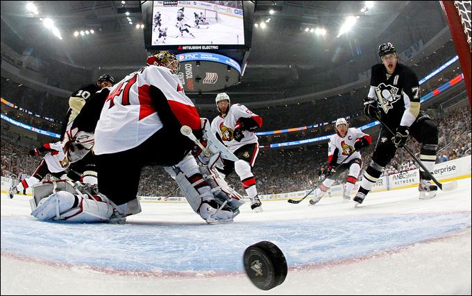 """14 мая 2013 года. Питтсбург. Плей-офф НХЛ. 1/4 финала. Матч № 1. """"Питтсбург"""" — """"Оттава"""" — 4:1. Это — Малкин!"""